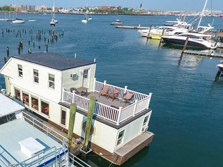 Houseboat White Elephant:  HUGE Boat Rental Downtown Boston!