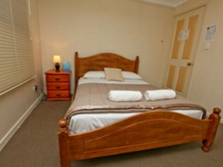 Bowen Terrace Accommodation - Double Room