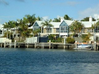 Sanctuary Cove Villas, Hope Island