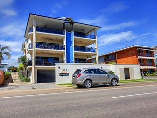 The LightHouse, Townsville Holiday Apartment, North Ward