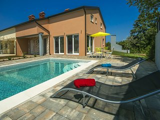 Newly built Villa Ivona with Pool near Porec