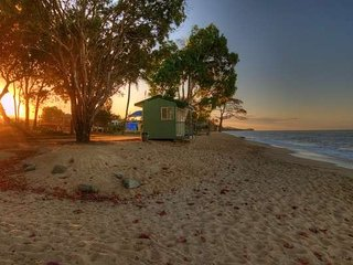 Mango Beach Shack, Holloways Beach