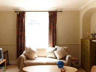 Torridge House B and B - THE TWIN ROOM, Appledore