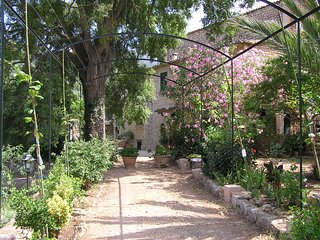 Amazing Farmhouse Villa in Soller: Sleeps 2-17