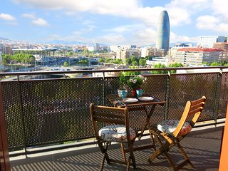Views!  + Private Bathroom + Terrace + A/C, Barcelona