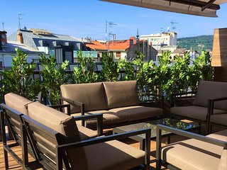 New penthouse with big terrace 100m from the beach, Donostia-San Sebastián
