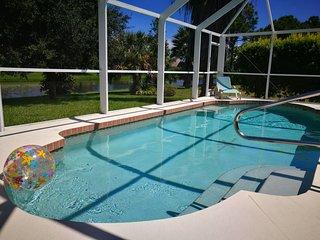 Waterfront Gulf Coast Villa - Pure Luxury! Exclusive area in Rotonda West