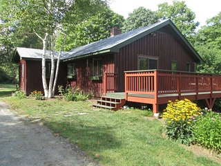 The Perfect Fall Foliage Home - brand new listing!, South Pomfret