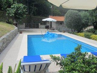 Location avec piscine a Geres-Canicada