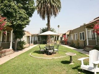 Monthly Extended Stay 1-Bedroom Cottage, Glendale