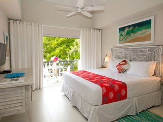 SWEETSPOT STUDIO, Rockley, Barbados, Near Beach *free wine/welcome basket!*