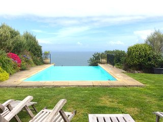 Carn Du, rent a large house in Cornwall, sea views