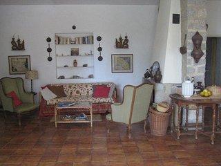 Villa vista mare affittasi, Procchio