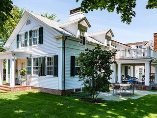 COLEL - Stunning Greek Revival, Newly Updated, Edgartown Village Area, Walk to F
