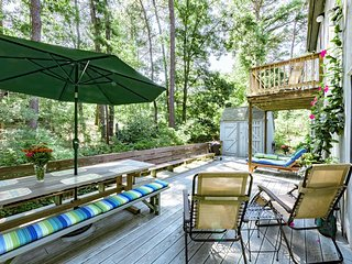 LIJOY - Hidden Cove Summer Retreat, Association Tennis Courts, Bike Paths at