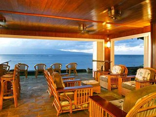 Maui Oceanfront Home - 4 bedroom and 5 bath -  Ideal for families!