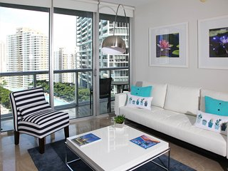 MODERN LARGE 1 BR WITH VIEWS, FREE SPA & WIFI.ICON BRICKELL, MIAMI.