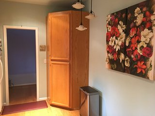 Furnished 3-Bedroom Townhouse at Mendocino Way & Shannon Way Redwood City