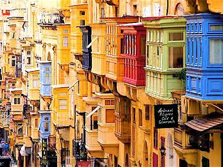 V2 Right in the heart of Valletta