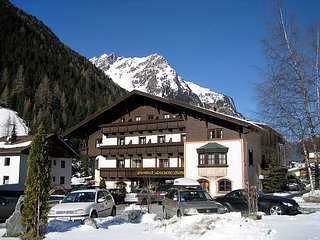 4 bedroom Apartment in Sankt Leonhard im Pitztal, Pitztal valley, Austria : ref