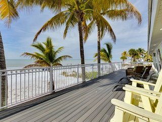 Endless Summer beautiful Beachfront Cottage Mid Island - Endless Summer