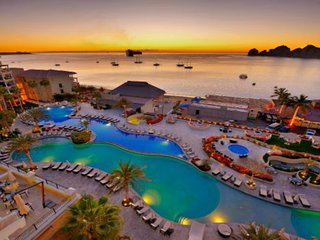 Luxurious Resort in Cabo San Lucas (Medano Beach)