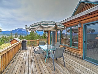Silverthorne House w/ Private Deck & Mtn Views!
