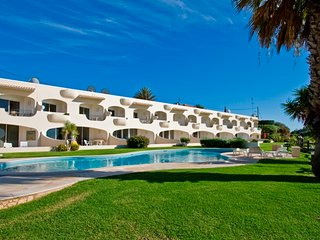 Beautiful, scenic beach front 3 bedroom apartment!, Ferragudo
