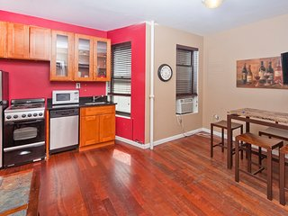 Charming 3BR 2 Baths in Midtown East (8295)