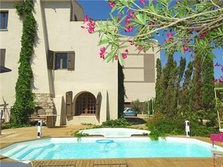 """""""serra"""" : Appartement avec vue au centre de Calvi avec piscine et à 100 m de la"""