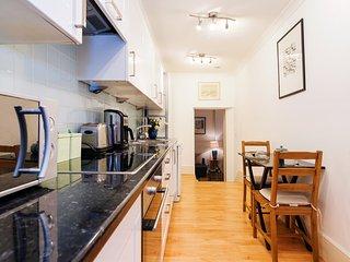 The Chelsea Embankment Apartment - EC