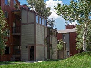 West Condominiums - W3506