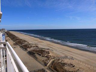 Gateway Grand 808 - Oceanfront Luxury!