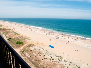 Flying Cloud 803 - Oceanfront with Great Views!