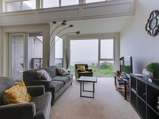 Upscale, dog-friendly, oceanfront condo w/shared hot tub - right on the beach!
