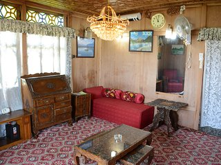 Dal Lake Houseboats