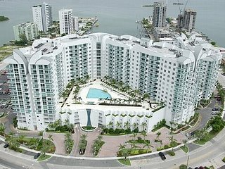 Fantastic North Bay Miami snowbird Apartment