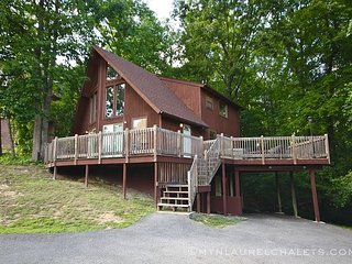 Grab the family and snuggle in at Daniel's Den, Gatlinburg