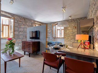 TOWNHOUSE SUITE DANISH ART, Stari Grad