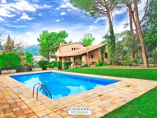 Countryside castle for 16-18 guests, 30km from Barcelona and the Mediterranean, Castellar del Valles
