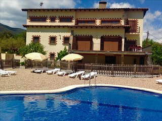 Catalunya Casas: Pleasant 8-bedroom villa in Vilamajor, 30km to the beach!