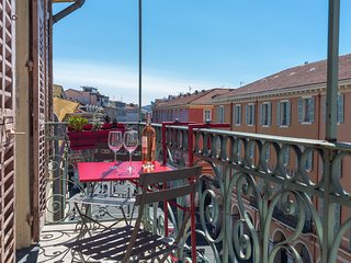 GIOFFREDO - 2 beds with AC on Massena square, Nice