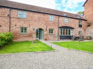 THE BOLTING RABBIT, character features, en-suite, WiFi, rural cottage near Rushbury, Ref. 917175