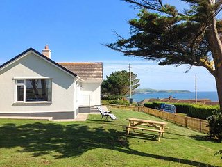 QUARTERDECK, single-storey, multi-fuel stove, WiFi, off road parking, garden, in Bigbury-on-Sea, Ref 920108, Modbury