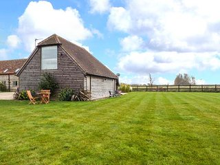 LITTLE GREENWAYS pet-friendly, WiFi, close to beaches in Sidlesham Ref 920643