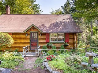 Sunny Brae, Modern Sprucewold Log Cabin With Beach Access, Boothbay Harbor