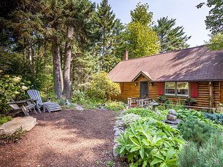Sunny Brae, Modern Sprucewold Log Cabin With Beach Access