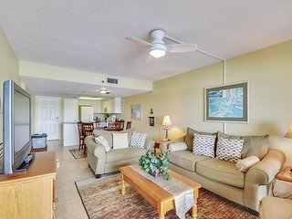 Indian Shores Condo on the Intracoastal Waterway - Short Walk to the Beach