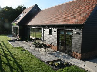 New barn conversion: enjoy city & countryside, Cambridge