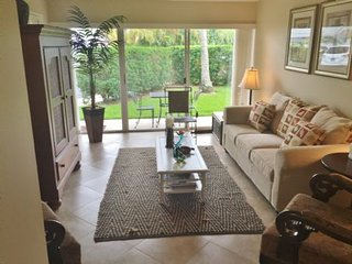 Cozy Ground Floor unit located in the Historic District of Old Marco Island